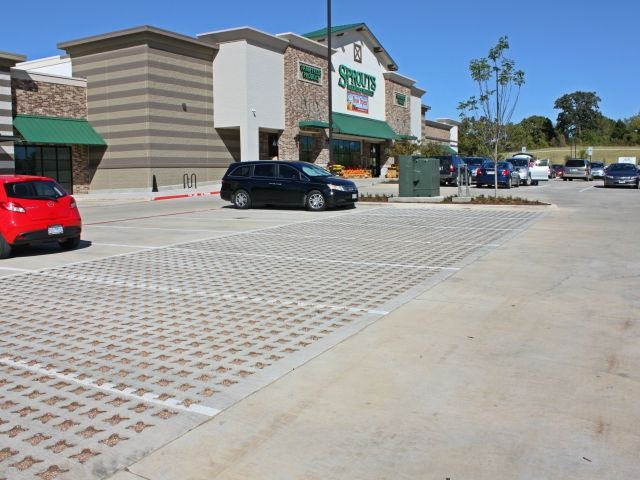 Sprouts Farmers Market Denton Tx - Bomanite Pervious Concrete Grasscrete Stone Filled System