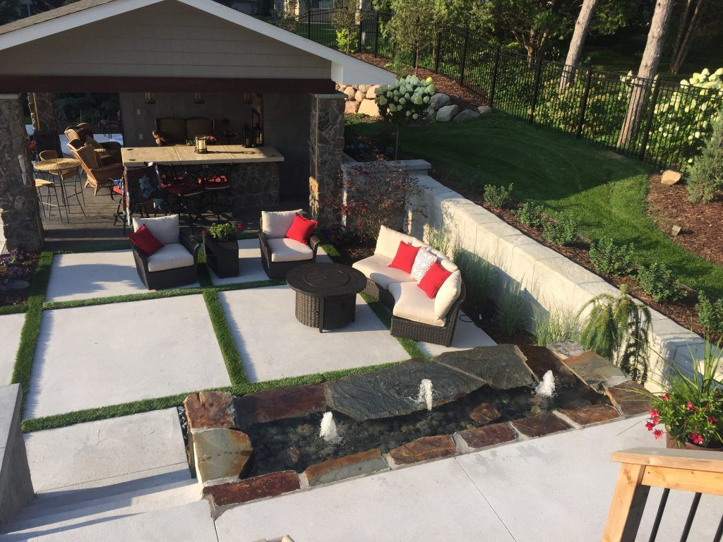 Private Residence using Bomanite Exposed Aggregate Systems with Bomanite Revealed and Bomanite Antico to create a Backyard Resort.