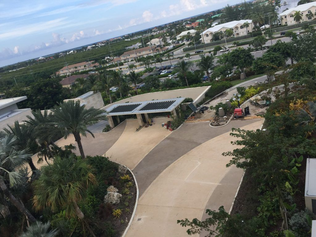 SMB Kimpton Seafire Hotel & Condo Site Motorcourt in Grand Cayman, Cayman Islands using Bomanite Exposed Aggregate Systems with Bomanite Revealed.